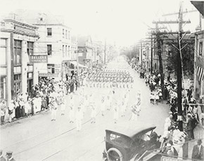 Victory Day parade in downtown Charleston, November 11, 1918.